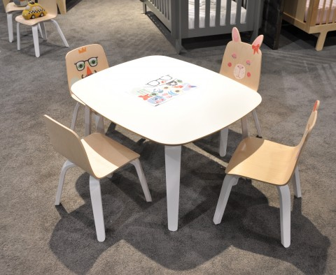 Oeuf Toddler Table and Chairs