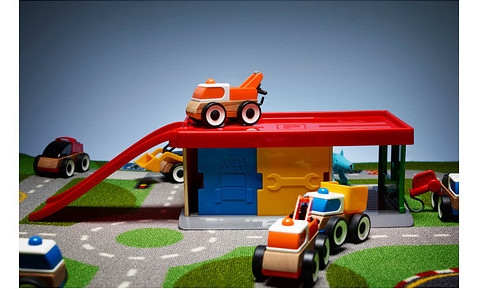 lillabo-garage-with-tow-truck__0276088_PE400356_S4