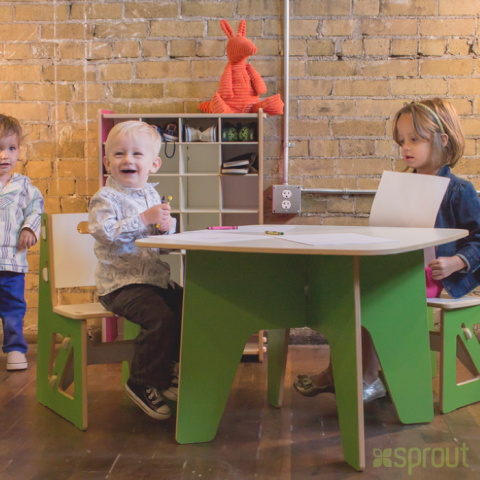 Sprout Modern Table and Chairs green