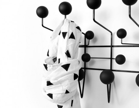 triangle muslin black and white olli & lime