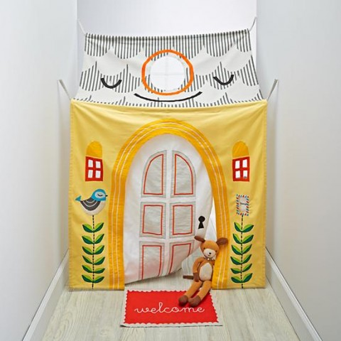 hanging-around-hallway-playhouse