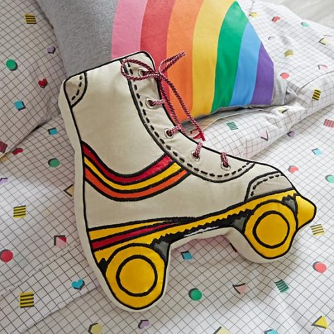 roller-skate-throw-pillow