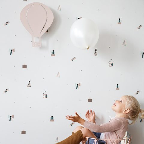 party wallpaper and air balloon lamp rose