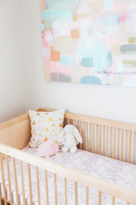 neutral-pastel-nursery-design-1